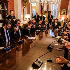 Pastores oram com Bolsonaro em visita aos EUA